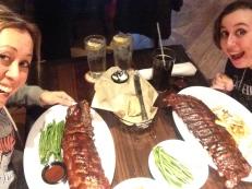 Erg grote maar lekkere ribs van steakhouse LongHorn op 92-30 59th Ave, Elmhurst NY- Queens